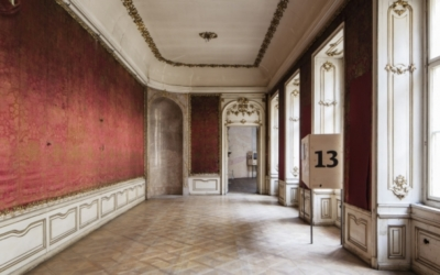 Guided tour of the historic interiors of the Colloredo-Mansfeld Palace (cs)