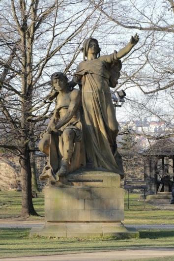 Komentovaná procházka poVyšehradě (v rámci cyklu přednášek Příběhy pražských soch asousoší)