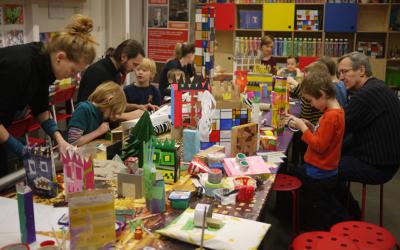 Dům matky aDům syna – Pomník Jana Palacha II – workshop pro děti srodiči namateřské arodičovské dovolené