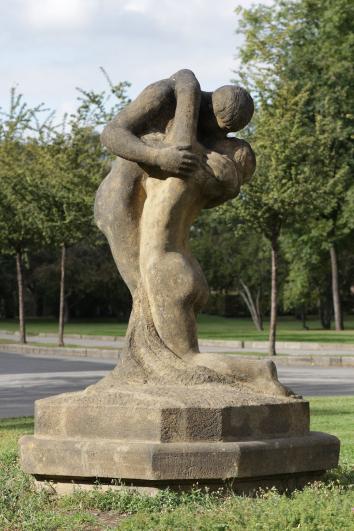 ZRUŠENO! Příběhy soch I: Josef Mařatka aBohumil Kafka vesbírkách veřejné plastiky GHMP