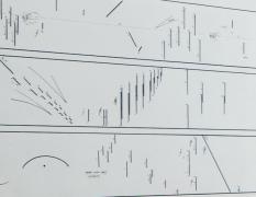 Experiment kresby azvuku II – workshop pro děti srodiči namateřské arodičovské dovolené / kvýstavě Zvuky / Kódy / Obrazy – Akustický experiment vevizuálním umění