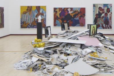 pohled do výstavy Pojď blíž v rámci Bienále současného umění Praha Ve věci umění / Matter of Art, Městská knihovna v Praze 2020, foto Tomáš Souček