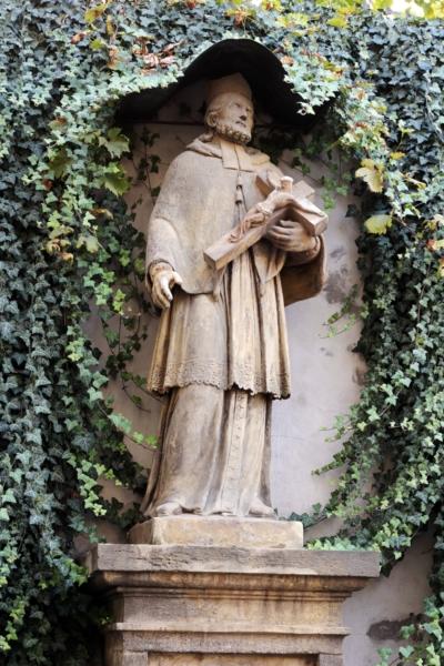 Sv. Jan Nepomucký – stav před restaurováním, Šporkova, Praha 1