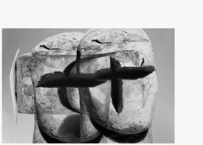Jiří Thýn, prostorová morfologie No. A_B0A6880 (zdroj: H. Wichterlová, Portrét Vincence Makovského, 1928), 2021, černobílá fotografie, 100×140 cm