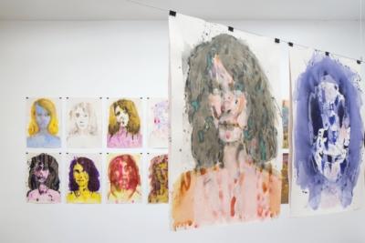Výtvarná dílna pro dospělé aseniory: Malba autoportrétu II aIII / kvýstavě Erika Bornová: Šílenství je stráž noci