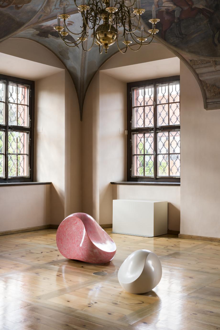 pohled do výstavy Jan Kovářík: Colorbond, Zámek Troja, 2020. Foto Studio Flusser – Zdeněk Porcal