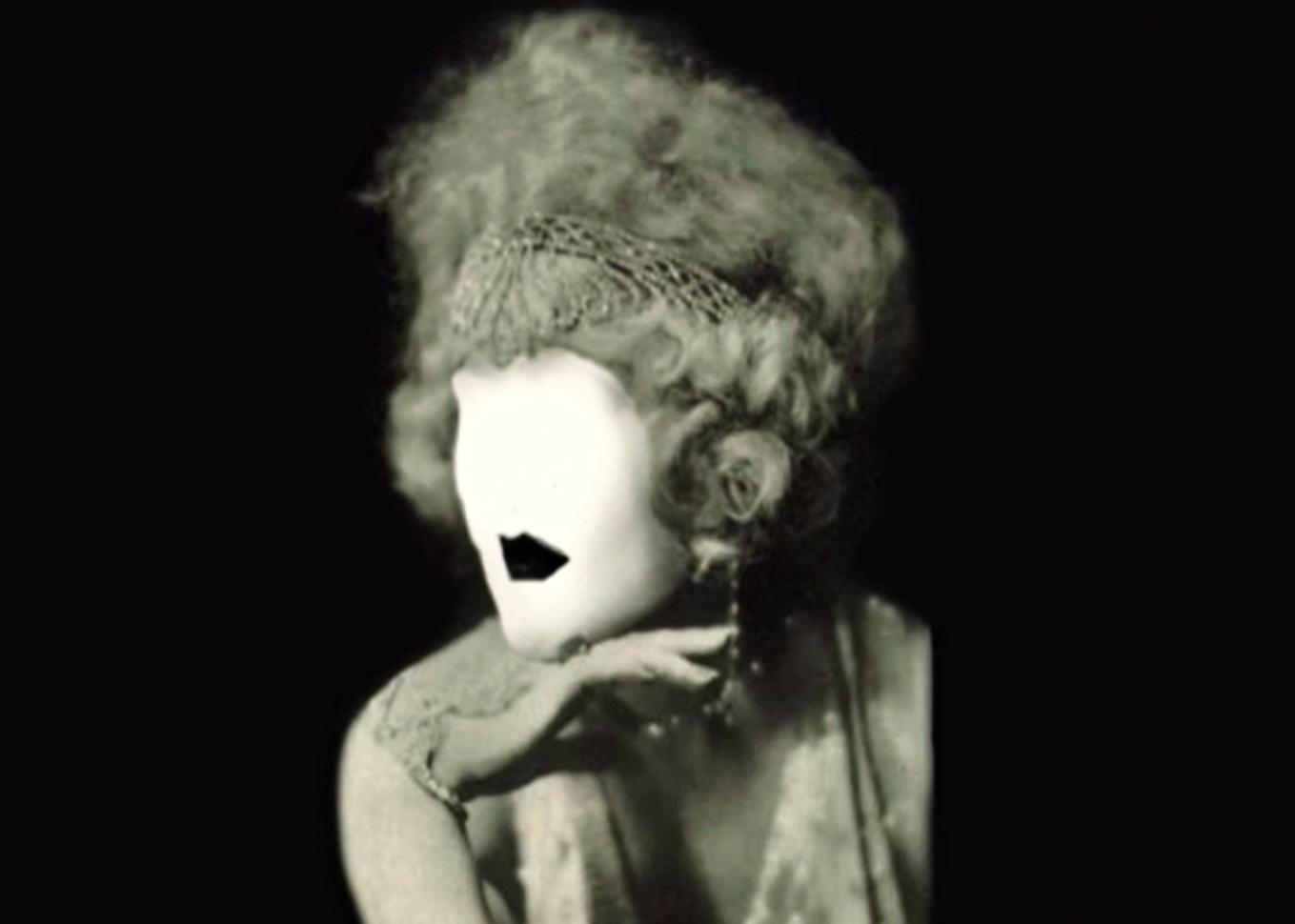 Adéla Babanová, Už šedesát let je mi třicet, 1. část: Dům Evy Weber: 2010, 2. část: Eva Weber: 1912–?, 3. část: Dům Evy Weber: 1930–2140