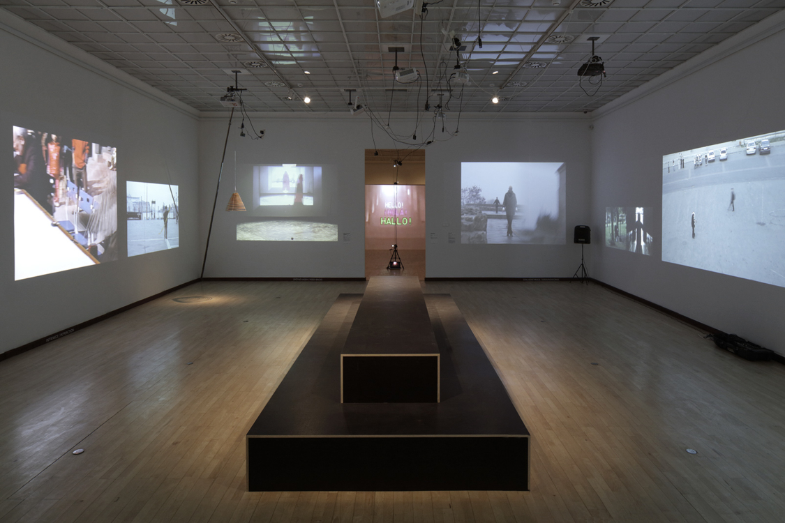 pohled do výstavy Tomáš Ruller: Perform Made – Udržitelné záblesky. Městská knihovna 2018, foto Martin Polák