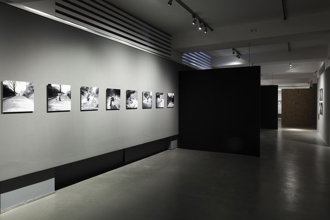 pohled do instalace výstavy Vladimír Ambroz: Akce. Dům fotografie, 2018. Foto Jiří Thýn