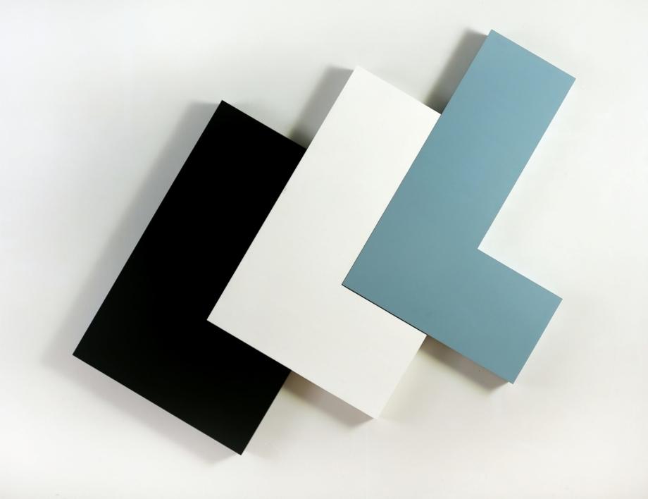 Jan Kubíček, 3 prostorové elementy L (variamobil), 1968, smalt, kov