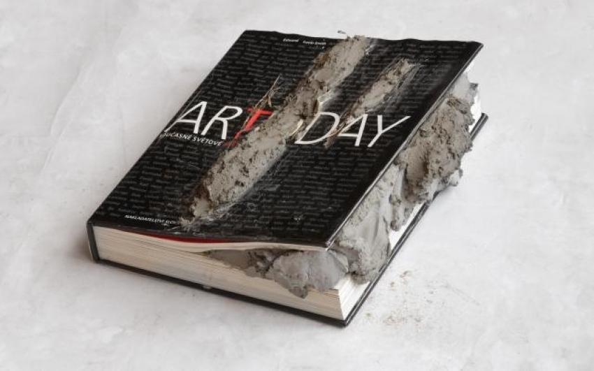 Art Today, objekt, material-kniha, beton, 27×30×11cm, 2011-2013