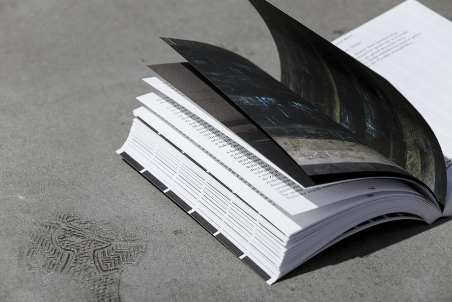 Pojď blíž: antologie textů k bienále vychází k příležitosti konání prvního ročníku bienále VVUMOA