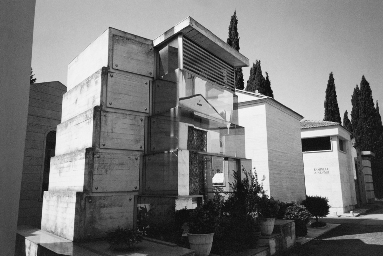 Jan Jedlička, Città dei vivi – città dei morti, 2004, fotografie, 26×36 cm