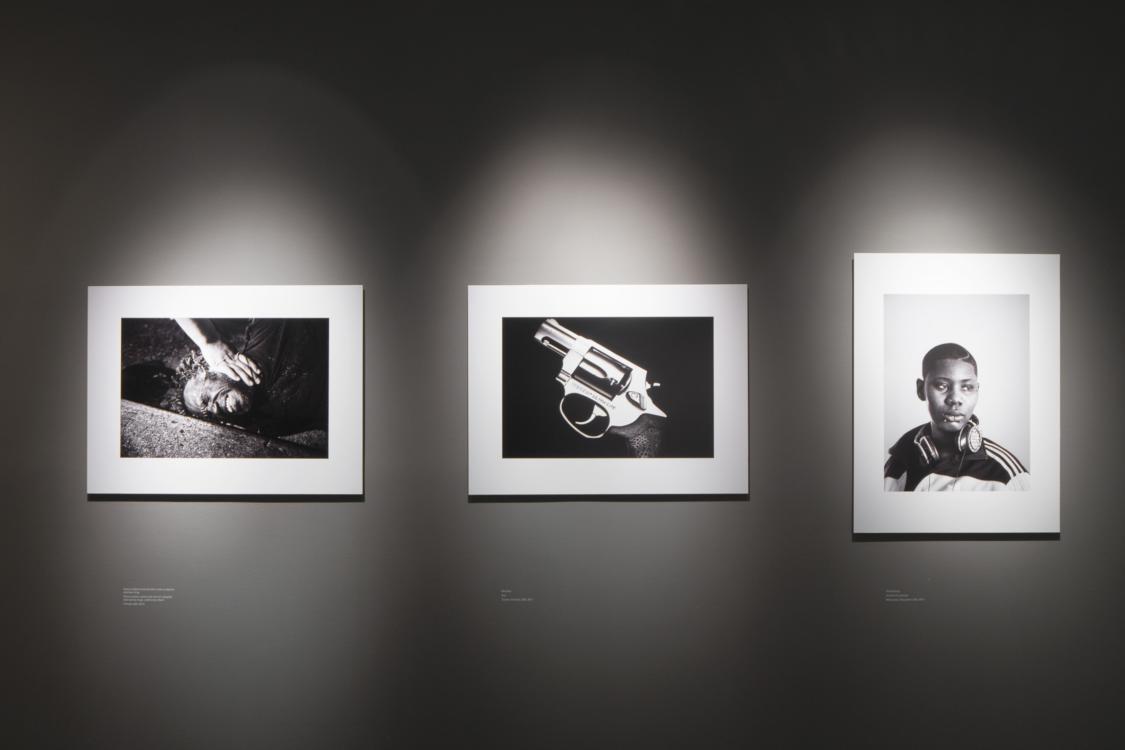 pohled do výstavy 400 ASA: Prostě dokument…, Dům fotografie, 2020. Foto Tomáš Souček