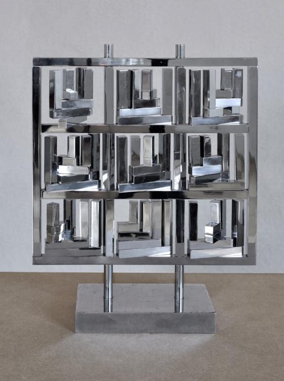 Radoslav Kratina, Grid with a Form /L/, 1985, chrome, brass, 22×22×10 cm