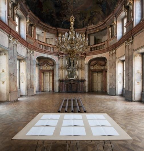 pohled do výstavy Adam Vačkář: První a poslední věci, Coloredo-Mansfeldský palác, 2014. Foto Tomáš Souček