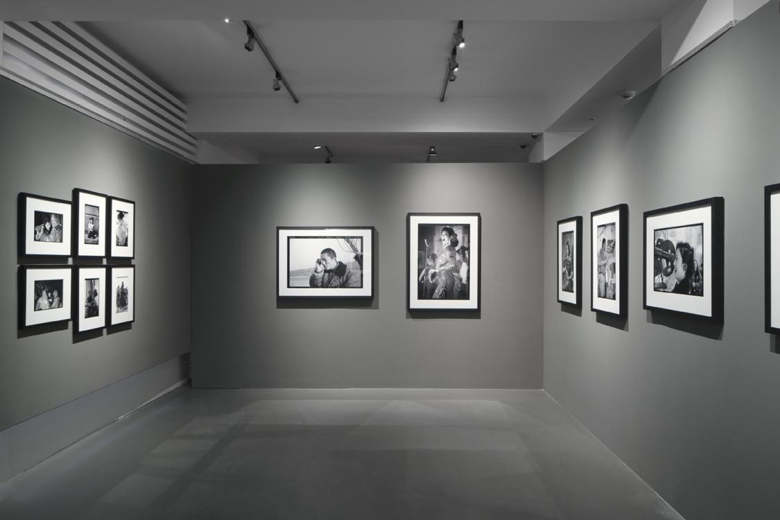 pohled do výstavy Xiao Quan: Naše generace – Portréty K., Dům fotografie, 2020. Foto Tomáš Souček