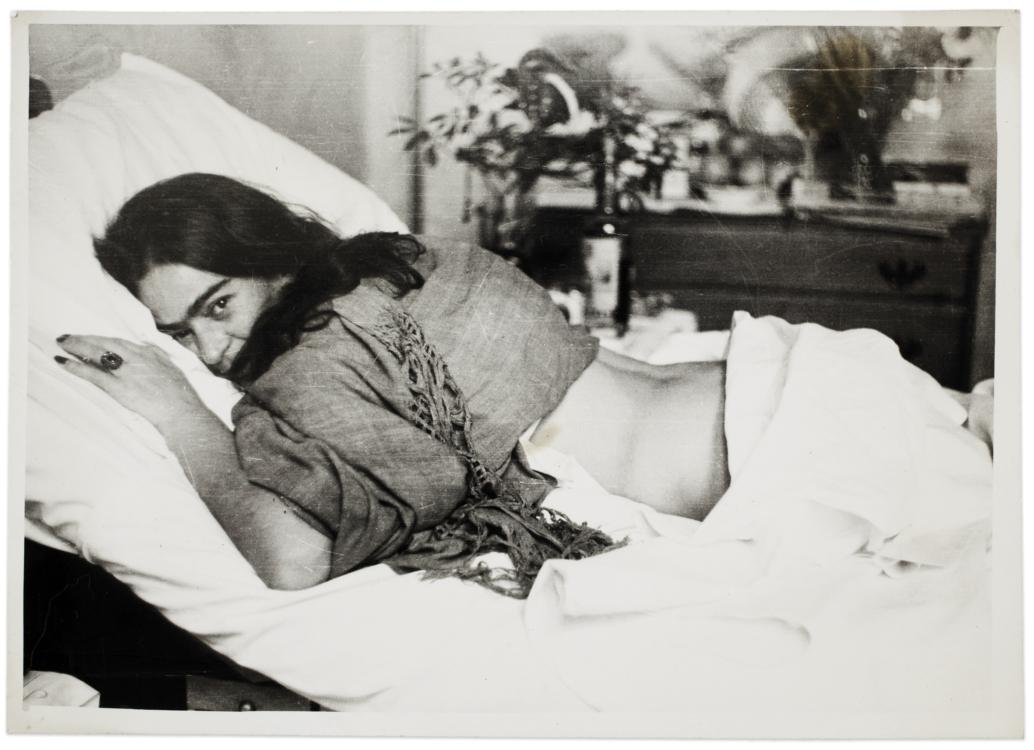 Frida stomach down, by Nickolas Muray, 1946 © Frida Kahlo Museum
