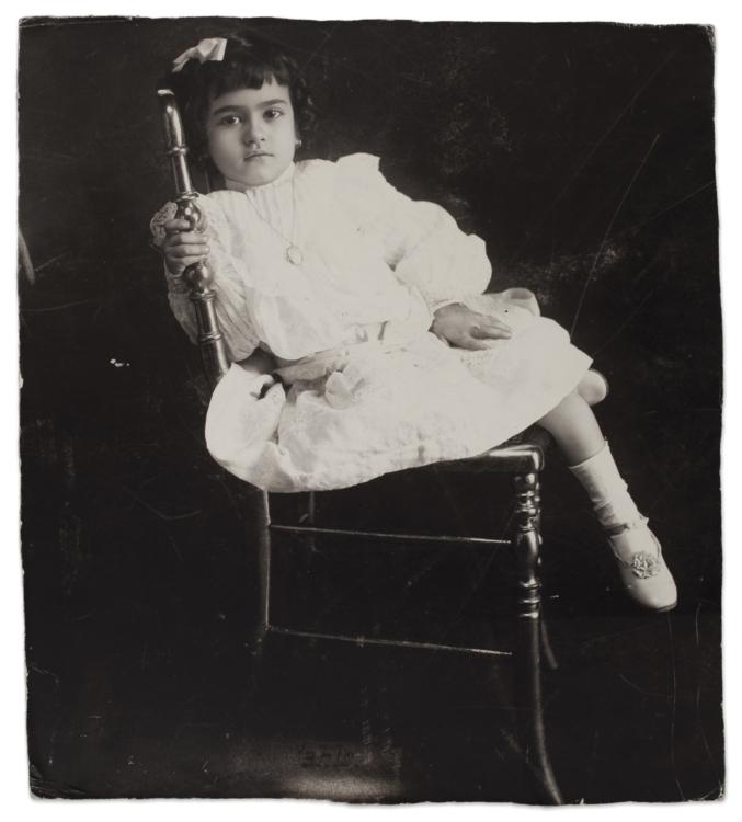 Frida Kahlo ve věku 5 let, anonym, 1912. © Muzeum Fridy Kahlo