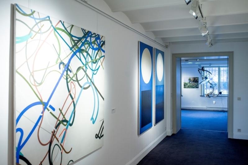 pohled do výstavy v Pražském domě v Bruselu, 2017. Foto Filip De Smet