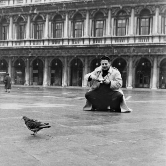 Sam Shaw, náměstí San Marco, Benátky 1954. © Sam Shaw Inc.