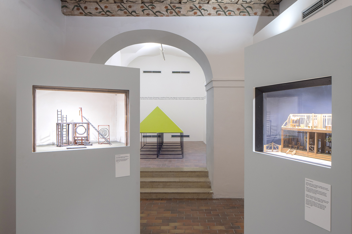 pohled do výstavy Devětsil 1920–1931, Dům U Kamenného zvonu, 2019. Foto Tomáš Souček.