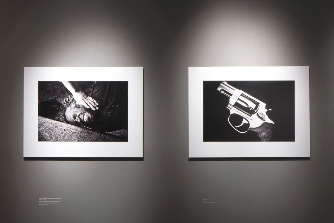 pohled do výstavy 400 ASA: Prostě dokument..., Dům fotografie, 2020. Foto Tomáš Souček