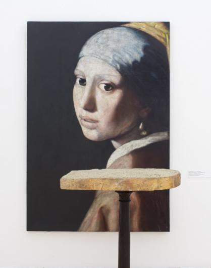 Bedřich Dlouhý, Dívka s perlou (Vermeer), 1988, olej, plátno, 206 × 140 cm, soukromá sbírka, foto Hana Hamplová