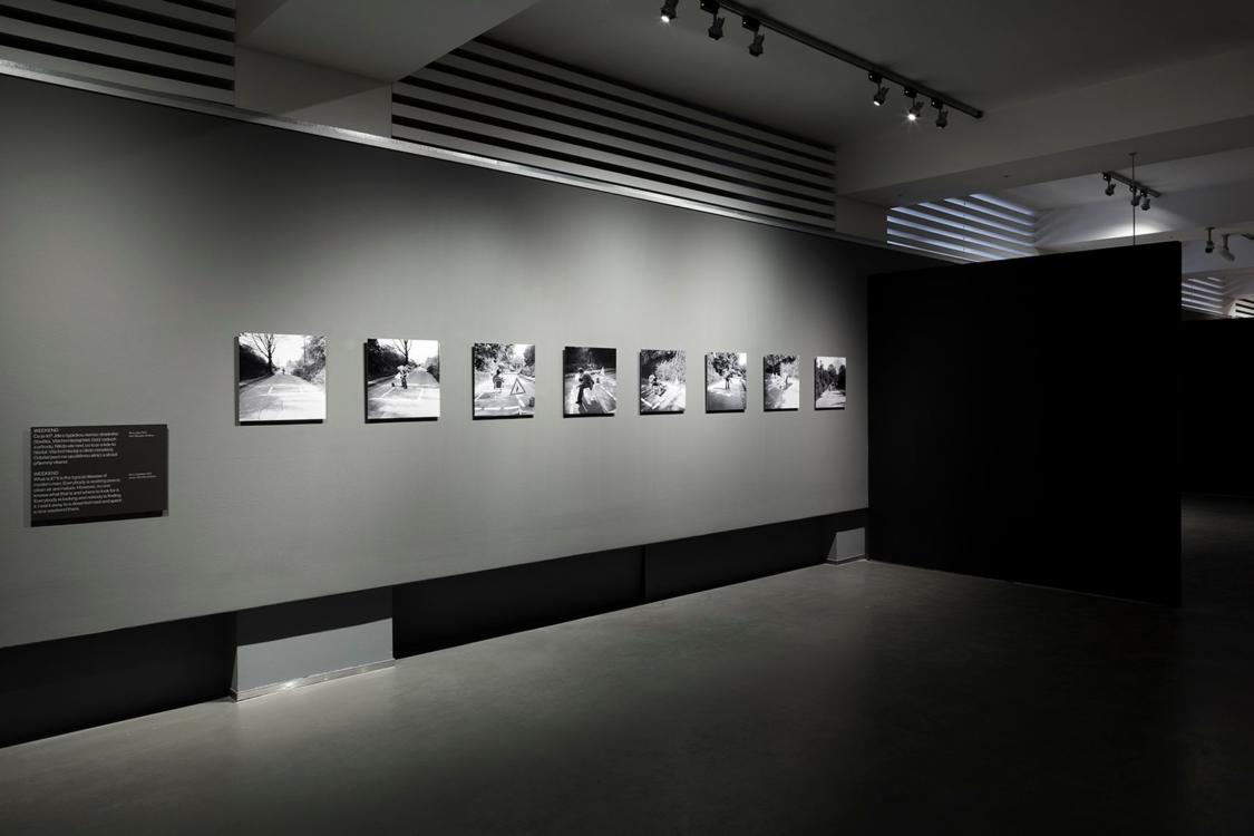 pohled do výstavy Vladimír Ambroz: Akce, Dům fotografie, 2018. Foto Tomáš Souček