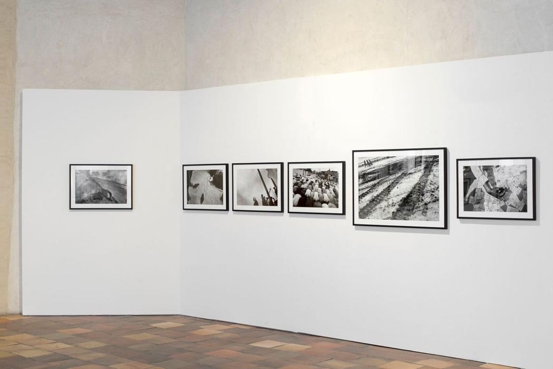 view to the exhibition of Antonín Kratochvíl: Photo essays, Stone Bell House, 2020. Photo by Tomáš Souček